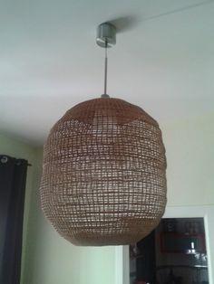 Lámpara crochet ovalada.