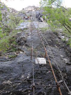 Leiter um Leiter Amicizia Sidewalk, Ladder, Side Walkway, Walkway, Walkways, Pavement