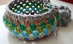 Easy Crochet Beanie/Basket Granny - free pattern and step by step tutorial