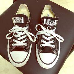Converse chucks size 7 Black converse shoes size 7 great shape Converse Shoes Sneakers