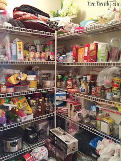 3 Essential Pantry Organization Tips + Laundry Room to Walk-In Pantry Makeover – Experience Of Pantrys Food Pantry Organizing, Organizing Wires, Organized Pantry, Shelf Makeover, Pantry Makeover, Wire Pantry Shelves, Pantry Laundry Room, Kitchen Pantry Design, Kitchen Ideas