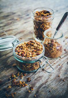 Zdrowa granola z kaszą gryczaną i jaglaną