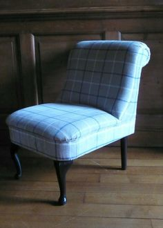 Finding a good upholsterer is so difficult. Burvill & Burvill work on a wide range of furniture from that family heirloom to a frame that just caught your eye. They will be at The Decorative Living Fair on May, 2014 at Eridge Park.