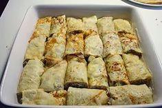 La ricetta delle crepes ai carciofi è veramente gustosa. La preparazione di queste crepes farcite con carciofi e besciamella e poi infornate per la gratinatura finale è un po' laboriosa ma il loro sapore è davvero ottimo. Le crepes ai carciofi sono un primo piatti  perfetto per una cena o un pranzo a buffet.