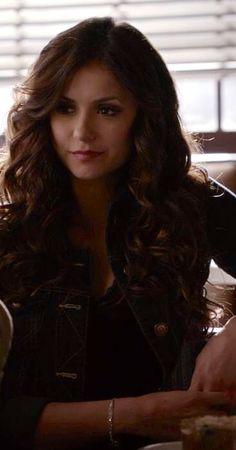Katherine Pierce curls