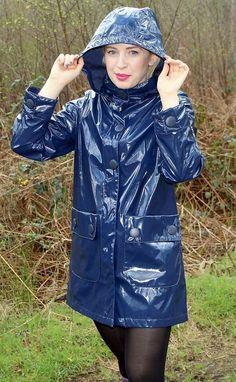 Vinyl Raincoat, Blue Raincoat, Pvc Raincoat, Raincoat Jacket, Rain Fashion, Rainy Day Fashion, Latex Fashion, Primark, Imper Pvc