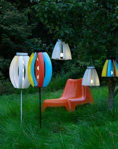 IKEA Österreich, Inspiration, Garten, Terrasse, Balkon, Outdoor, Sommer, Sonne, Bunte SOLVINDEN Solar-/Windkraft-Erdspieß