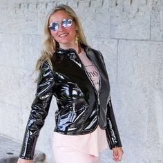 #shiny #sunglasses and a shiny #jacket . I #like it so much 😍 #play with your #style and #create #yourself #new Happy #monday !!!