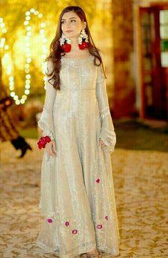 Nikkah Dress, Pakistani Formal Dresses, Shadi Dresses, Pakistani Dress Design, Indian Dresses, Mehndi Dress, Indian Outfits, Pakistani Fashion Party Wear, Pakistani Wedding Outfits