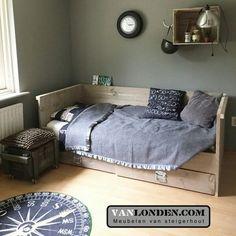 Bedbank met 2 laden van steigerhout ... www.vanlonden.com (bed):