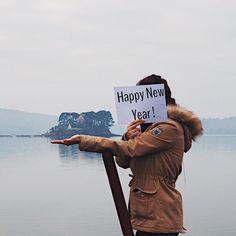 2016 a été une année difficile pour tous avec un monde qui devient de plus en plus égoïste. Et le moment est arrivé de changer et de se retrousser les manches. Je vous souhaite donc que 2017 soit pour vous synonyme d'espoir d'amour d'humanité de courage de bienveillance de découvertes de rêves qui se réalisent de blessures qui cicatrisent et de temps qui se laisse prendre. BONNE ANNÉE À TOUS   #igersfrance #france #bretagne #finistere #travelphotography #passionpassport #wanderlust…