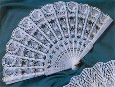 Roberta Crochet e Cia: Fans realizzati all'uncinetto Crochet Home, Love Crochet, Irish Crochet, Crochet Motif, Crochet Designs, Crochet Crafts, Crochet Doilies, Crochet Patterns, Diy Crafts