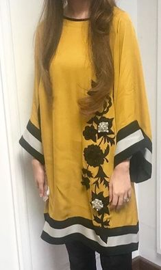 kurtis Kurti Neck Designs, Kurti Designs Party Wear, Dress Neck Designs, Blouse Designs, Pakistani Fashion Casual, Pakistani Dresses Casual, Pakistani Dress Design, Stylish Dresses, Simple Dresses