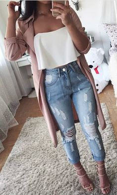 Incredible Winter Outfits To Wear Now pink cardigan with white bustier top and distressed jeans outfit Winter Outfits For Teen Girls, Stylish Summer Outfits, Cute Casual Outfits, Spring Outfits, Summer Jean Outfits, Cute Jean Outfits, Summer Jeans, Summer Shorts, Jeans Outfit Summer
