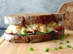 Sandes de Salada de Sapateira em pão de centeio