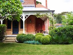Will Dangar - One thing for Spring - Temple & Webster Journal Traditional Landscape, Contemporary Landscape, Outdoor Landscaping, Outdoor Gardens, Hanging Gardens, Pool Landscape Design, Farmhouse Garden, Farmhouse Design, Cottage Garden Design