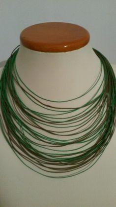 Collar cordones bisutería