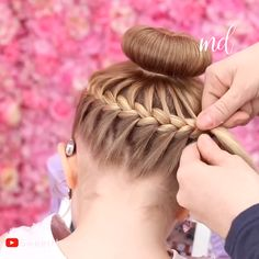 This halo bun couldn't get any prettier! 😍 # loose Braids for kids HALO BUN Little Girl Hairstyles, Braided Hairstyles, Gymnastics Hair, Cheerleading Hair, Girl Hair Dos, Hair Upstyles, Toddler Hair, Crazy Hair, Hair Videos