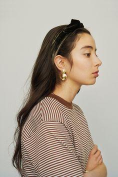 Daily Fashion, Love Fashion, Autumn Fashion, Hair Inspo, Hair Inspiration, Hair Up Styles, Hair Arrange, Medium Long Hair, Fashion Books