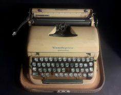 Antique Vintage 1950's Remington Rand Green Quiet-Riter Miracle Tab Typewriter