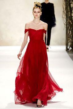 Monique Lhuillier Fall 2011.  Love this dress!
