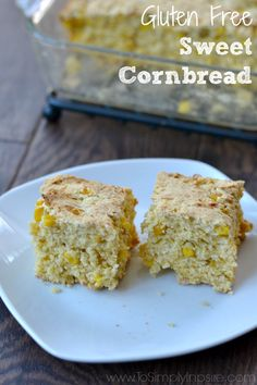 This Simple Gluten Free Sweet Cornbread is a wonderful adaptation of Del Monte's #10MinuteWow recipe. No one will ever guess it's gluten free. #ad