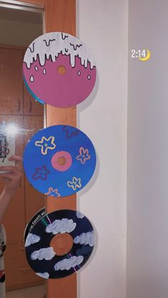 Cd Wall Art, Cd Art, Wall Collage, Aesthetic Painting, Aesthetic Room Decor, Aesthetic Art, Cd Decor, Cute Diy Room Decor, Easy Canvas Art