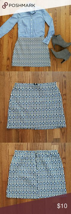 """H&M Geometric Print Stretch Mini Skirt Exposed back zipper.  Textured material. Blue, ivory & black. 47% cotton 43% polyester 8% polyamide 2% elastane.  Waist 13.5"""", Length 15"""" Great Pre-Loved Condition H&M Skirts"""