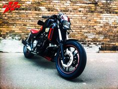 Muscle Fighter Motorcycle: Custom 1984 Honda V65 Magna VF1100C - See this image on Photobucket.