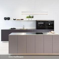 ikea k chen modernes design hellgrau hochglanz fronten offene regale ideen rund ums haus. Black Bedroom Furniture Sets. Home Design Ideas