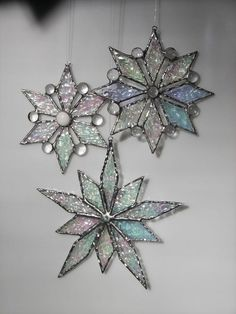 Items similar to Stained glass Snowflake - Snowflake ornament- Christmas Ornament-Snowflake suncatcher on Etsy Stained Glass Ornaments, Stained Glass Christmas, Stained Glass Suncatchers, Stained Glass Designs, Stained Glass Panels, Stained Glass Projects, Stained Glass Patterns, Leaded Glass, Stained Glass Art