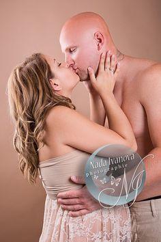 photo de grossesse superbe bisoux de maman et papa
