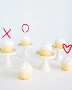 5 Last-Minute DIY Ideas for Saying Happy Valentine's Day - 5 Last-Minute DIY Ideas for Saying Happy Valentine's Day - Sweetheart Cupcake Toppers