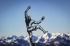 Dieser zeigt den berühmten Traunsteiner Sportkletterer Alexander Huber von den Huberbuam.