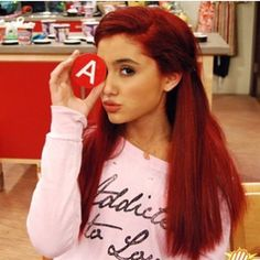 ariana grande make her stop being so pretty!You can find Cat valentine and more on our website.ariana grande make her stop being so pretty! Ariana Grande Red Hair, Ariana Grande Victorious, Illuminati, Justin Bieber, Divas, Victorious Cast, Adriana Grande, Cat Valentine Victorious, Red Hair Woman