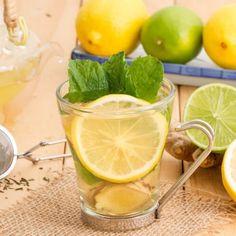 Cleanse Your Body and Burn Fat with this Lemon Ginger Detox Water Lemon Ginger Detox Water, Digestive Detox, Detox Organics, Body Detoxification, Lemon Diet, Cleanse Your Body, Healthy Detox, Healthy Water, Detox Recipes
