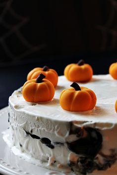 Halloween cake Halloween Cakes, Home Decor, Decoration Home, Room Decor, Home Interior Design, Home Decoration, Interior Design