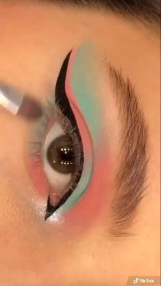Indie Makeup, Edgy Makeup, Makeup Eye Looks, Eye Makeup Art, Crazy Makeup, Eyeshadow Looks, Eye Makeup Steps, Creative Eye Makeup, Colorful Eye Makeup