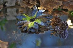 Felted brooch brooch flower blue-green от makoshawool на Etsy Валяный цветок - брошь из натуральной тонкой шерсти меринос. Ручная работа. Диаметр цветка 9-10 см.