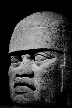 Olmec, Mexico 1200–900 BC at the SF De Young Museum in April 2011. I was so happy to see this exhibit after studying the Olmecs at SRJC in anthropology class. Alvaro Garcia and I chatted about this exhibit and Picasso the whole time!