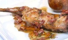 CONEJO ASADO con PERAS y PANCETA Sauces, Spanish Food, French Food, Turkey, Appetizers, Chicken, Cooking, Recipes, Carne Asada