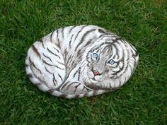 Painted Rocks for Artistic Yard and Garden Designs, 40 Cute Rockpainting Ideas