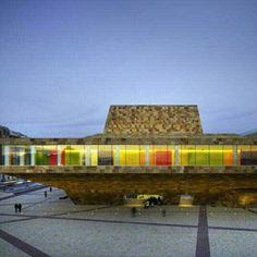 La Llotja de Lleida, em Llerida, Espanha. Projeto do escritório Mecanoo + labb arquitectura. #architecture #arts #arquitetura #arte #decor #design #decoração #projetocompartilhar #shareproject