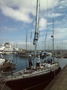 Removing the masts