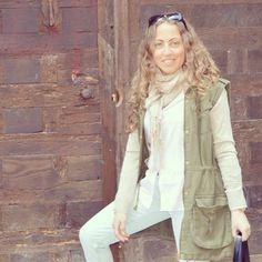Rosa#ideassoneventos #imagenpersonal #imagen #moda #ropa #looks #vestir #fashion #outfit #ootd #style #tendencias #fashionblogger #personalshopper #blogger #me #streetstyle #postdeldía #blogsdemoda #instafashion #instastyle #instalife #instagood #instamoments #job #myjob #currentlywearing #clothes #casuallook #rosaycaqui