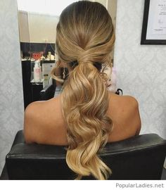 amazing-low-wavy-ponytail-design