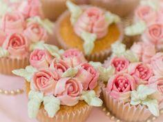 Russian piping tips, russische Spritztüllen, Blumentüllen, Cupcakes mit Buttercreme Blumen
