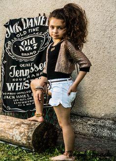Ekskluzywne ażurowe bolerko marki Sisley Young. Do kupienia na: mail: knocknock.fashion@gmail.com  fb: https://www.facebook.com/pages/knock-knock-fashion/230430617163127?ref=hl instagram: http://instagram.com/knock_knockfashion#  #kidsfashion #modadladzieci #fashionkids