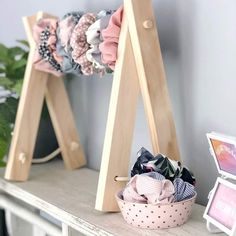 Signature Accessory Rack- headbands Scrunchies necklaces dolls clothes display &… Signature Accessory Rack- headbands Scrunchies necklaces dolls clothes display &… – Cute Braid Hairstyles For Kids – Hair Clip Storage, Diy Hair Scrunchies, Cute Room Decor, Diy Hair Accessories, Kids Room Accessories, Accessories Store, Bow Hair Clips, Diy Hairstyles, Craft Fairs