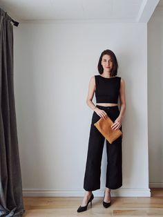 Feb 2020 - Get on trend with sailor pants and wide leg trousers, and see how to style them for spring! 7 combos featuring ethical, sustainable brands and styling tips. Wide Pants Outfit, Look Fashion, Fashion Outfits, Fashion Pants, Fashion Swimsuits, High Fashion, Fashion Ideas, Fashion Trends, Looks Style
